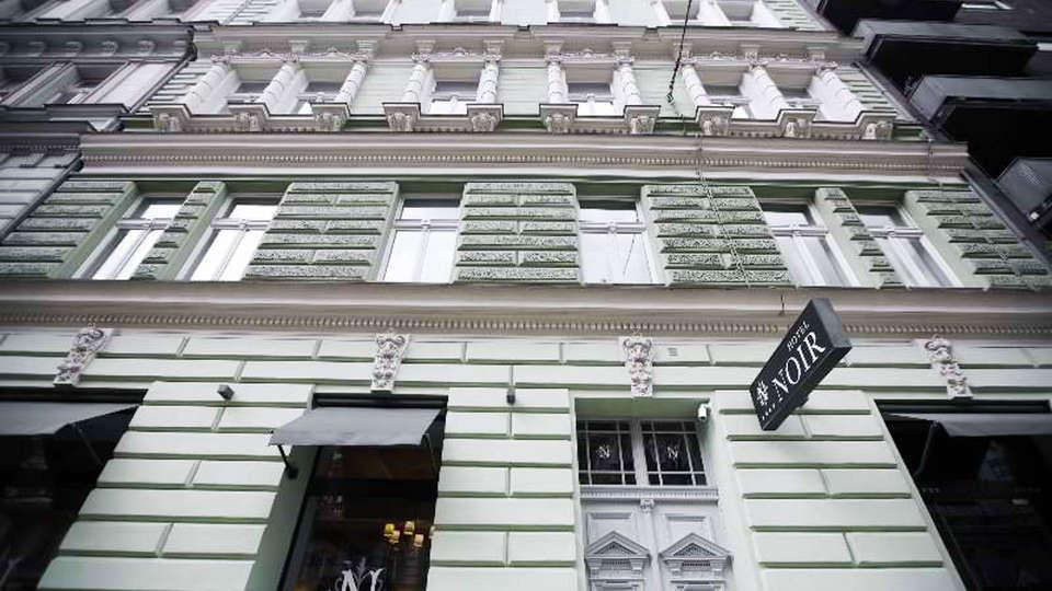 Hotel Noir Prague - EDIT_FRONT.jpg