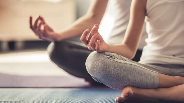 Escapada Retiro Espiritual: Clases de coaching, yoga, masajes y tratamientos (desde 3 noches)