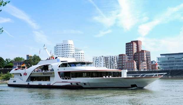 Ontdek Düsseldorf tijdens een ontspannend verblijf met boottocht over de Rijn