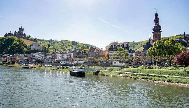 Vivez une expérience unique lors d'une promenade en bateau sur la rivière de la Moselle(apd 2 nuits)