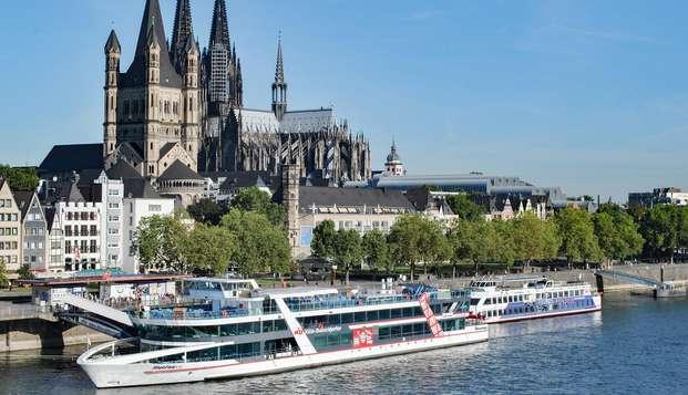 Descubre la hermosa Colonia con un viaje en barco por el Rin