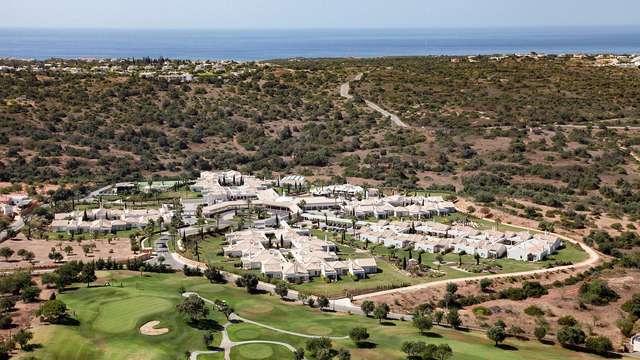 Escapada con desayuno incluido en un hotel 5* en plena naturaleza del Algarve
