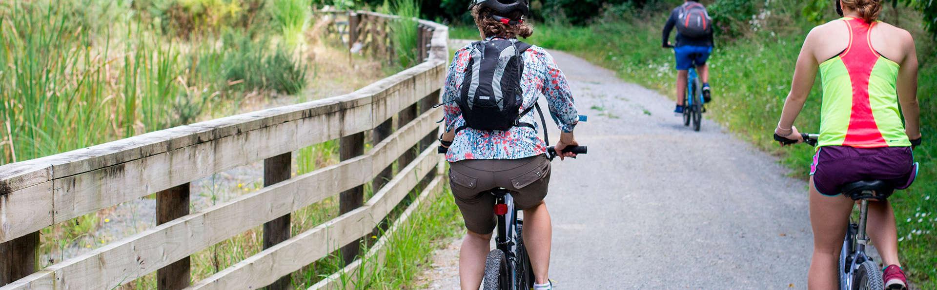 Nature à l'état pur : randonnée à vélo électrique et géocaching (à partir de 2 nuits)