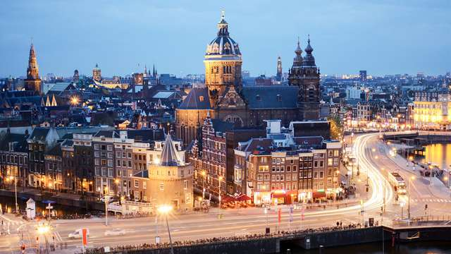Sobran las palabras: ¡alójate 3 noches en la bulliciosa Ámsterdam! (desde 3 noches)