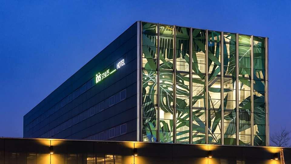 IBIS Styles Amsterdam Airport - EDIT_FRONT_02.jpg