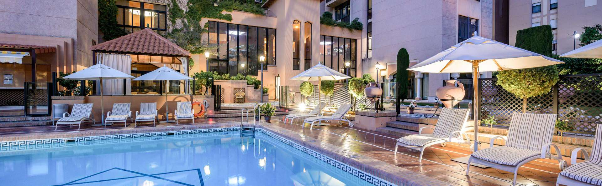 Hotel Saray - EDIT_N2_POOL_04.jpg