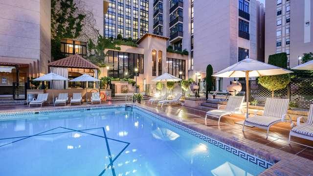 Escapada con encanto en un Hotel 4* con piscina en Granada