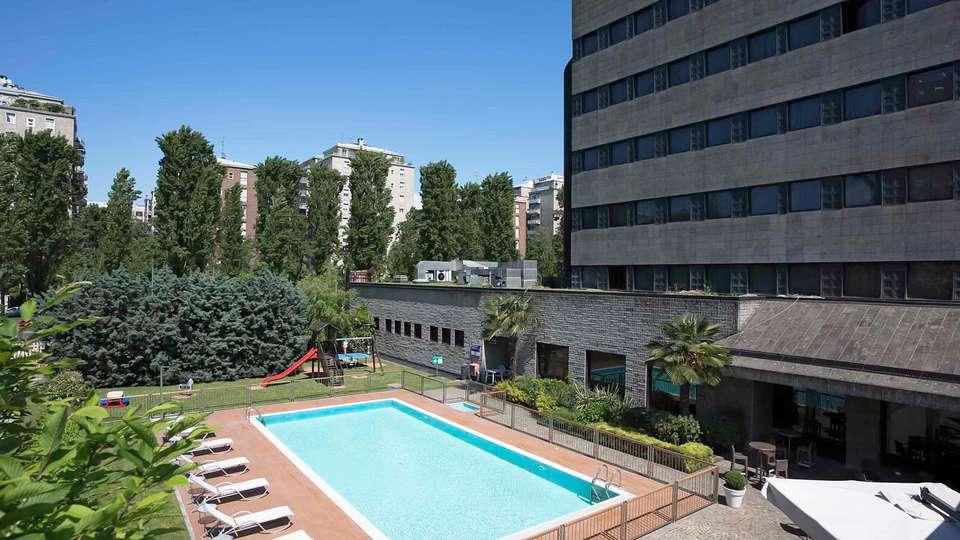 Hotel Novotel Milano Nord Ca Granda - EDIT_POOL_01.jpg