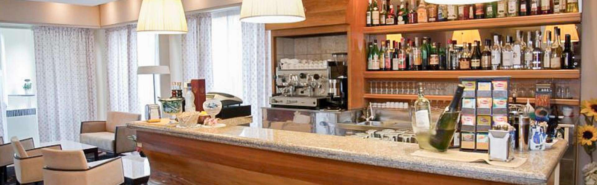 Hotel Mauro - EDIT_BAR_01.jpg