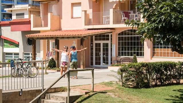 Escapada en apartamento para hasta 4 personas con desayuno en Empuriabrava