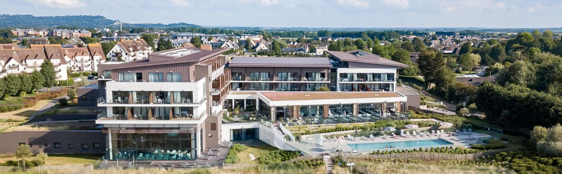 Hôtel les bains de Cabourg & Spa by Thalazur - EDIT_AERIAL_01.jpg