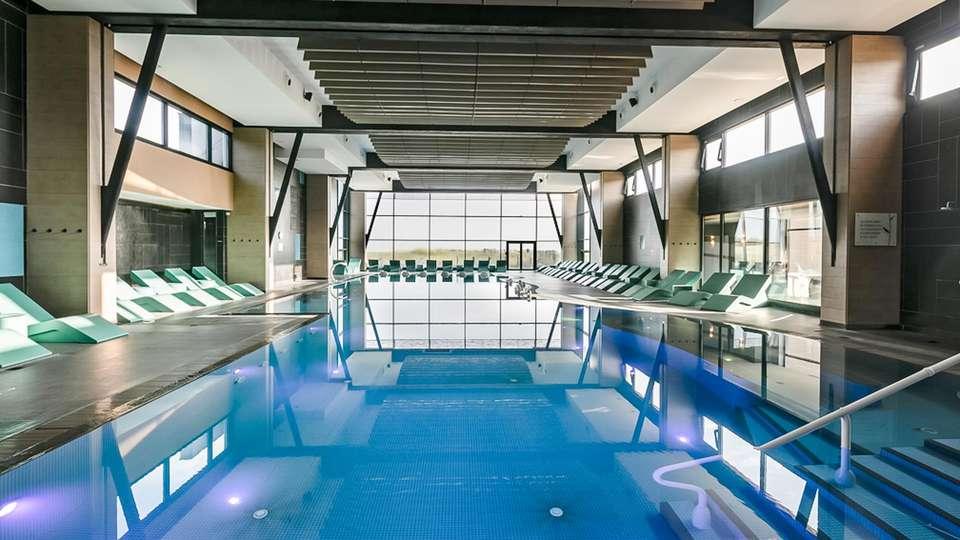 Hôtel les bains de Cabourg & Spa by Thalazur - EDIT_POOL_01.jpg