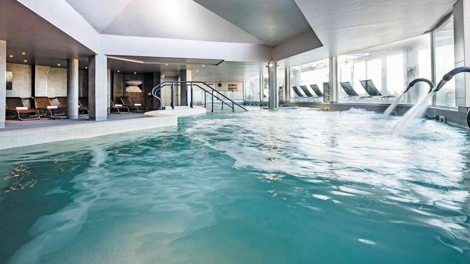 Hôtel les bains de Camargue & Spa by Thalazur - EDIT_POOL_02.jpg