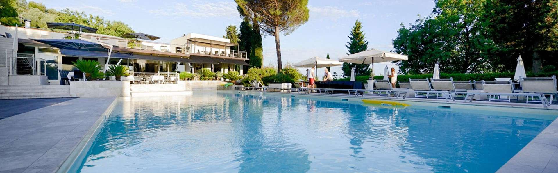 La Villa Resort - EDIT_POOL_01.jpg