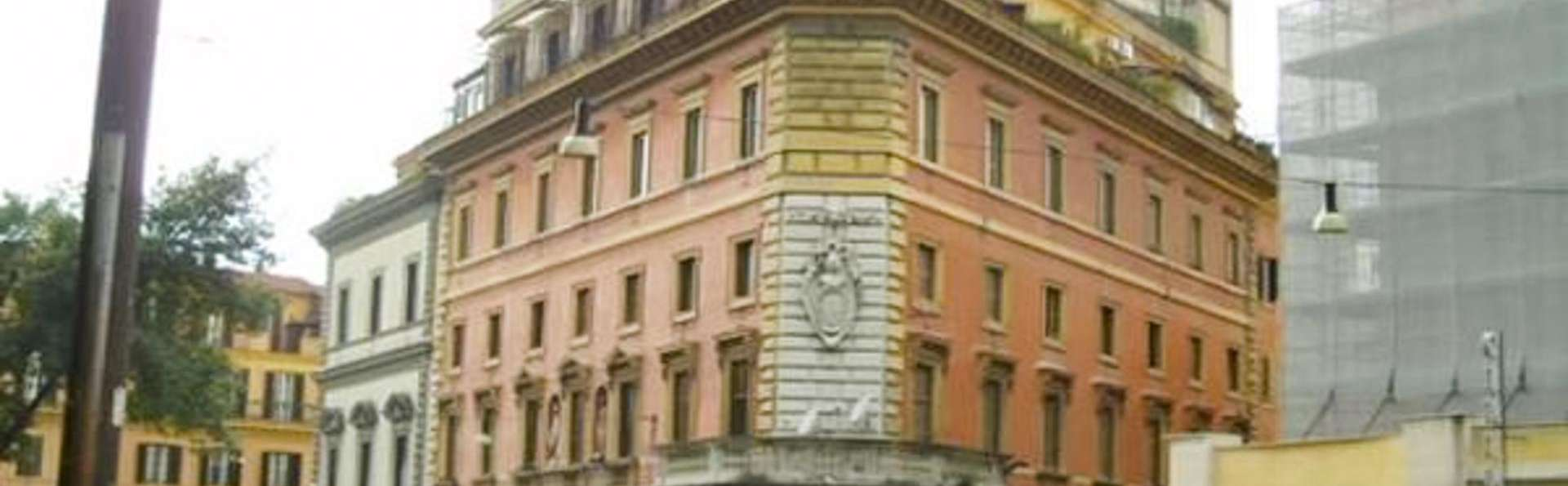 Hotel Traiano - EDIT_FRONT_01.jpg
