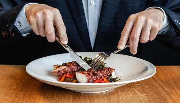 Escapada con cena gastronómica en un hotel de diseño ubicado en el centro de Bilbao