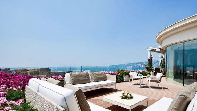 Weekend di lusso sul lungomare di Napoli
