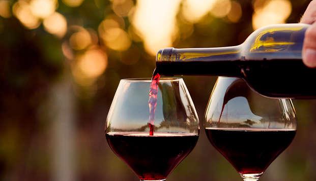 Escapada en habitación superior con cena y degustación de vinos de la Toscana