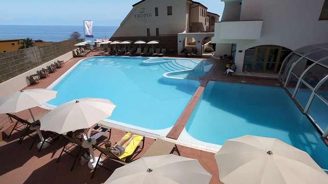 Paréntesis a orillas del mar en Tropea