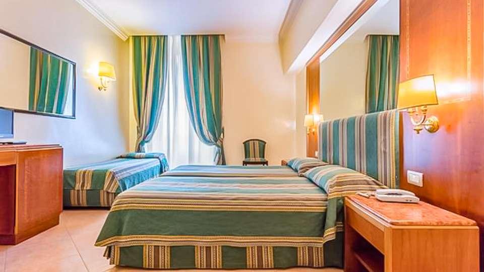 Raeli Hotel Lazio - EDIT_ROOM_01.jpg