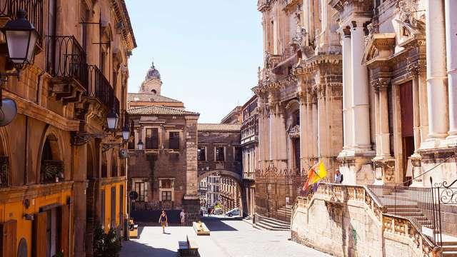 Ad Aci Castello, tra l'Etna e il Mediterraneo in un 4* in camera superior