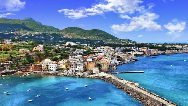 Offerta ad Ischia: soggiorno da 5 notti in mezza pensione e navetta per la spiaggia!