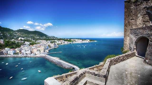 Vacances à Ischia : à Forio, dans un hôtel 3 étoiles, avec spa inclus !