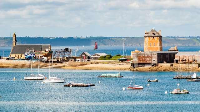Romantisme avec crémant et mignardises à Camaret-sur-Mer (à partir de 2 nuits)