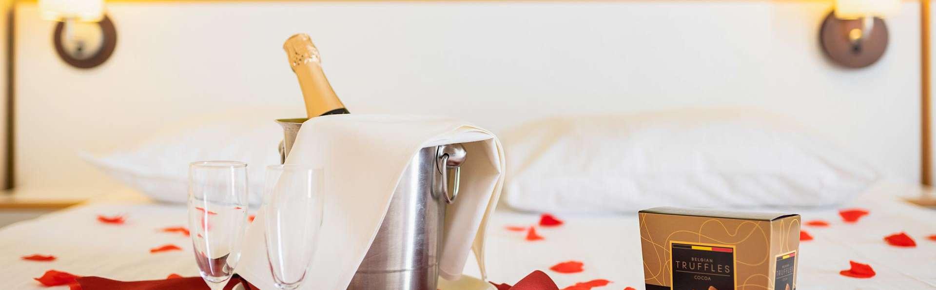 Séjour romantique près de Bruges avec pétales de rose et chocolat