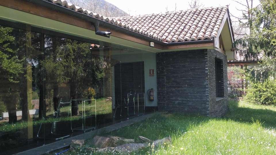 Hostel Grizzly Resort El Oso Pardo - EDIT_EXTERIOR_02.jpg