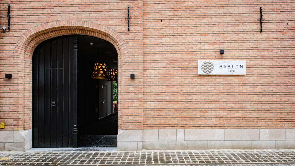 Hotel Sablon - EDIT_FRONT_01.jpg