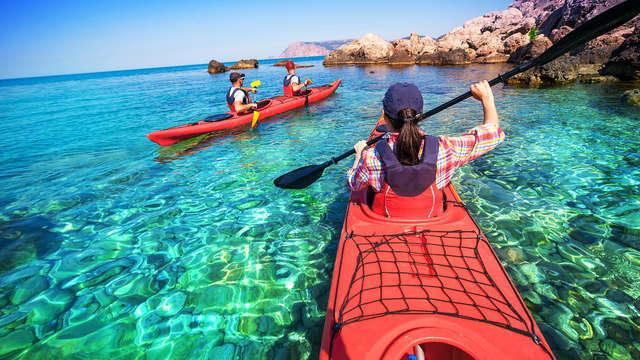 Enamorados y Aventureros: Descubre las calas de la Costa Brava en kayak y relájate en Platja d'Aro