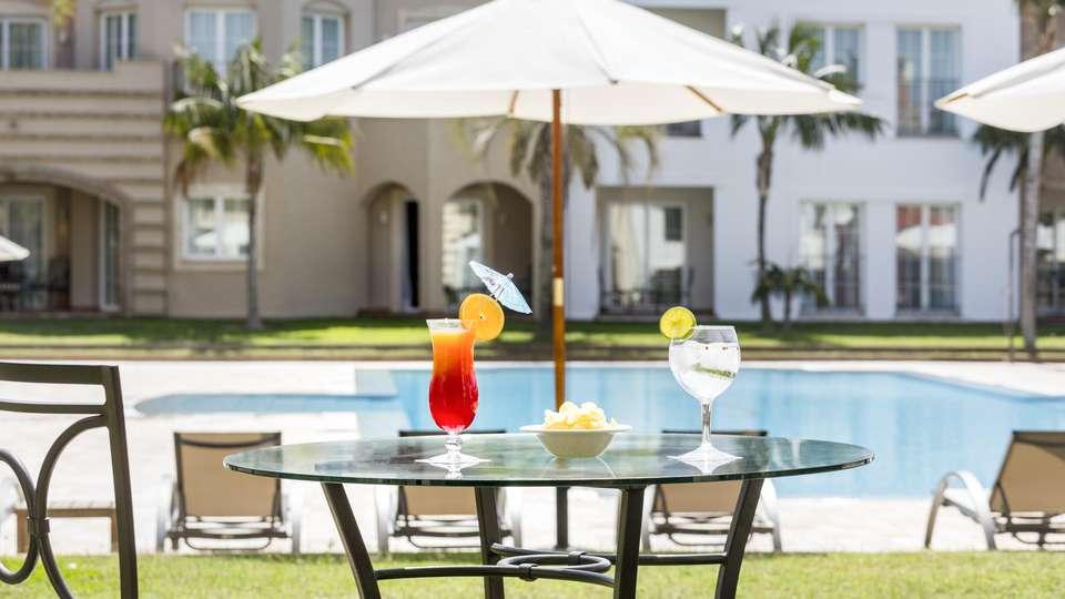 The Residences La Sella - EDIT_DRINKS_01.jpg
