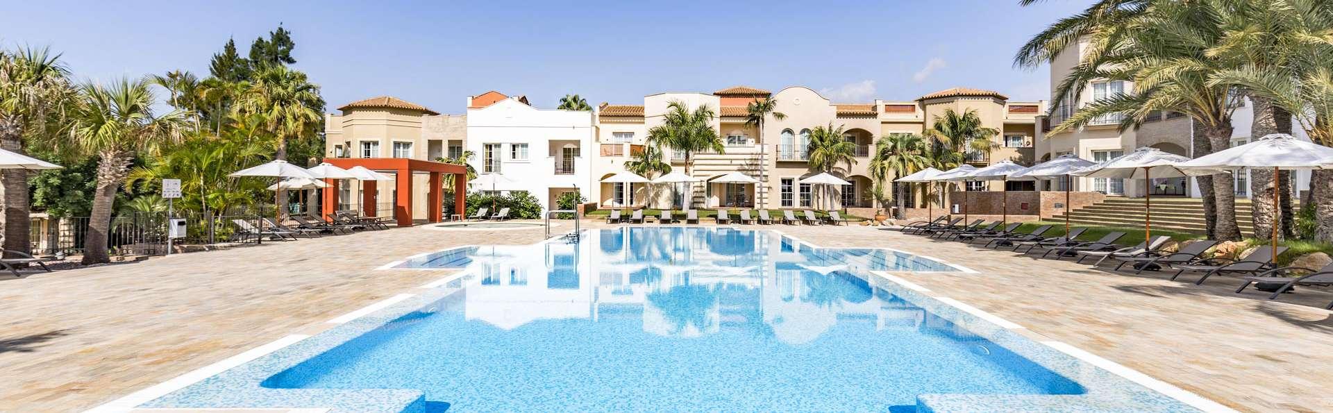 The Residences La Sella - EDIT_POOL_03.jpg