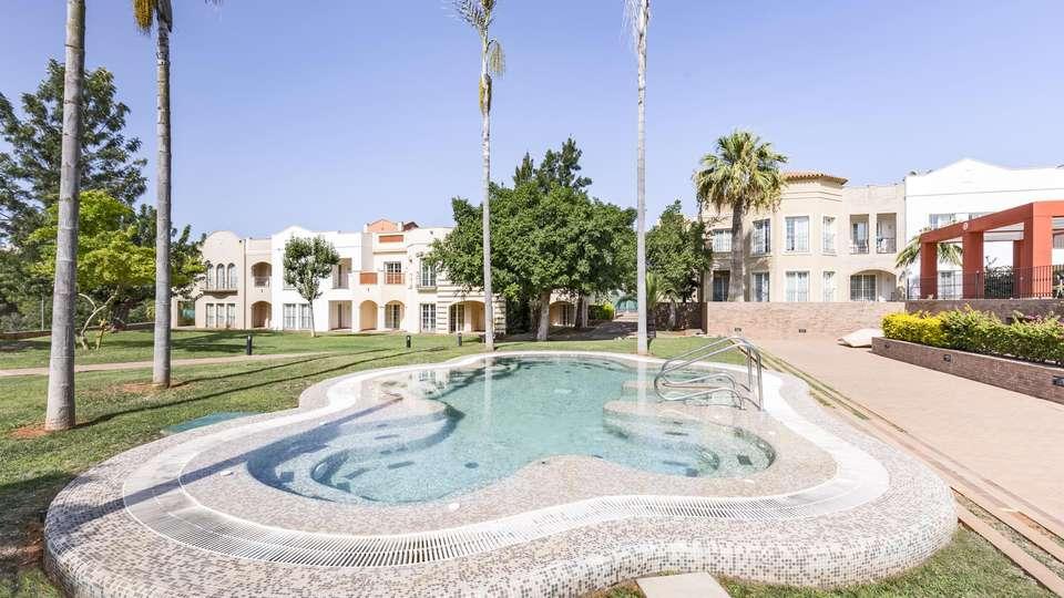The Residences La Sella - EDIT_POOL_04.jpg