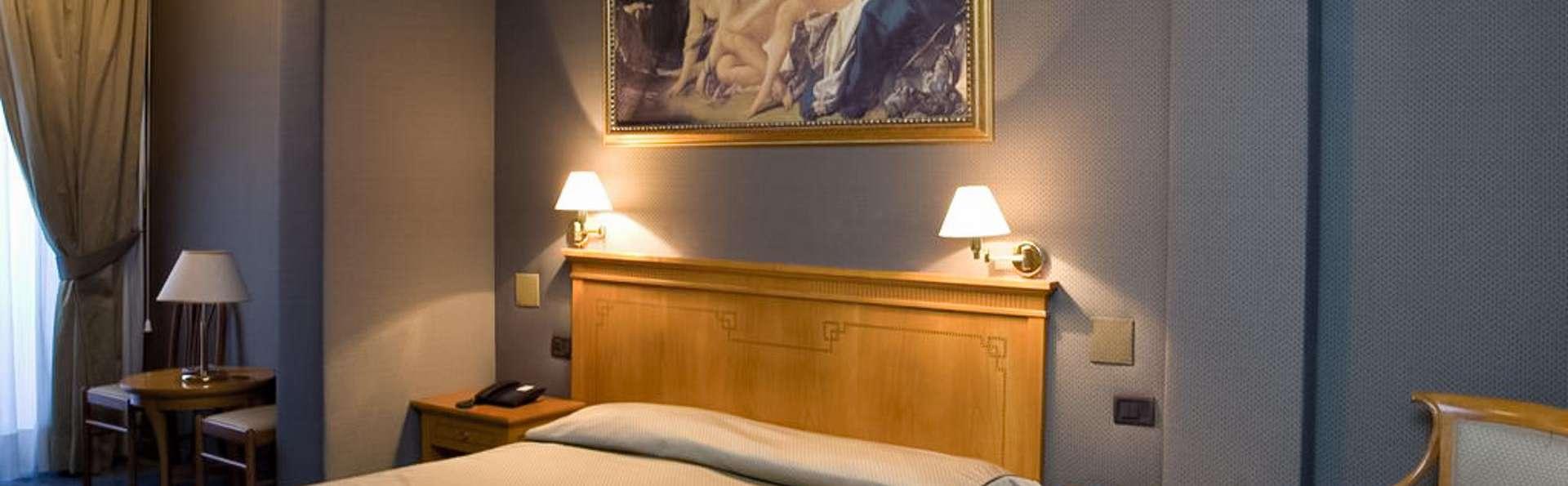 Hotel Rimini - EDIT_ROOM_02.jpg