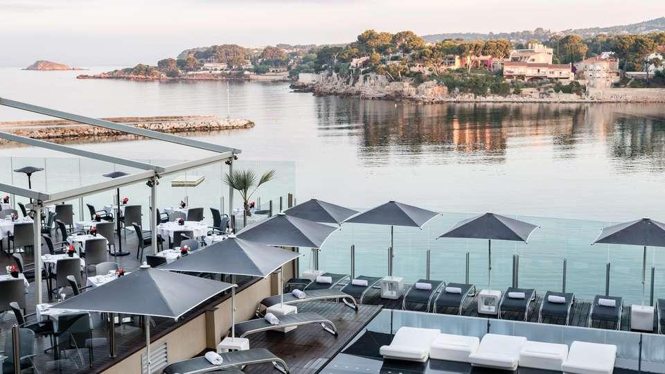 Hôtel Île Rousse & Spa by Thalazur - EDIT_POOL_04.jpg