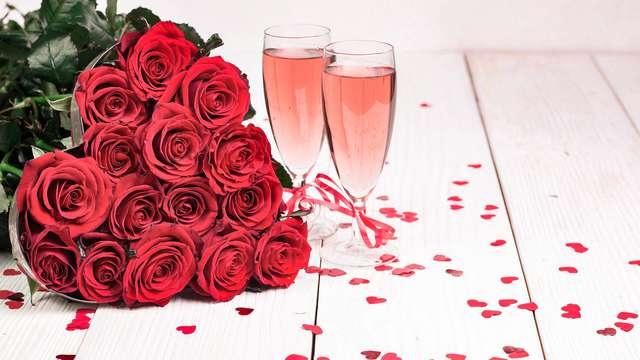 Escapada romántica en Granada con cena, botella de cava y fresas con chocolate