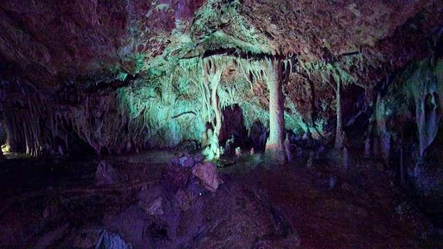 Descubre Palma con una visita a las cuevas de Genova y alojate en un 4* en Illetas