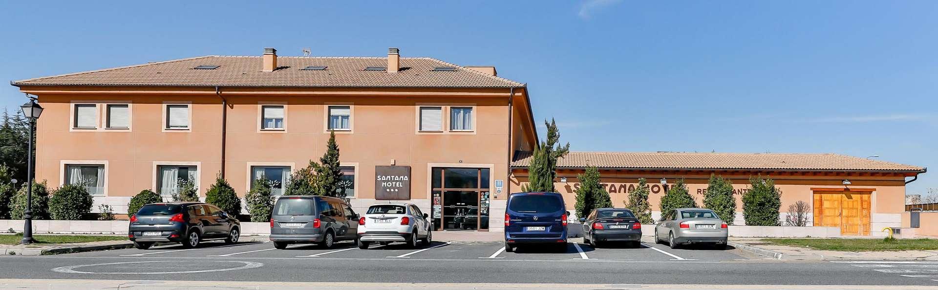 Hospedium Santana Hotel Restaurante - EDIT_FRONT_02.jpg