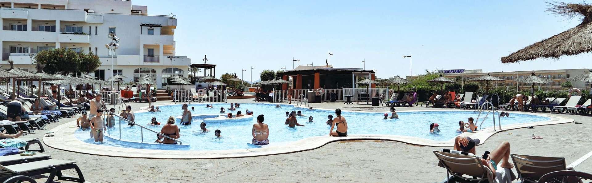 Découvrez Cabo de Gata, près de la mer avec accès au spa et 1 enfant gratuit