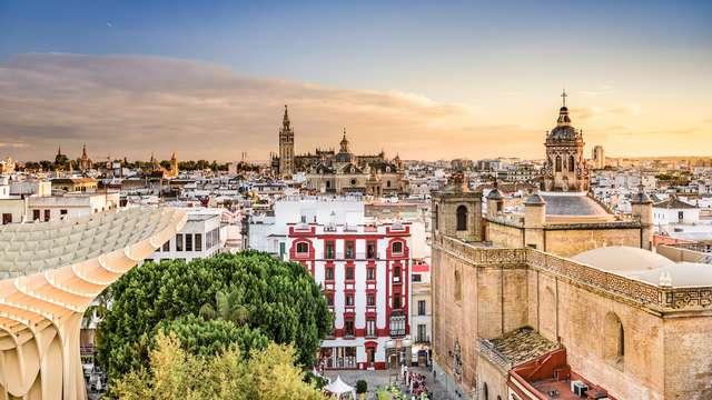 Recorre las calles históricas de Sevilla
