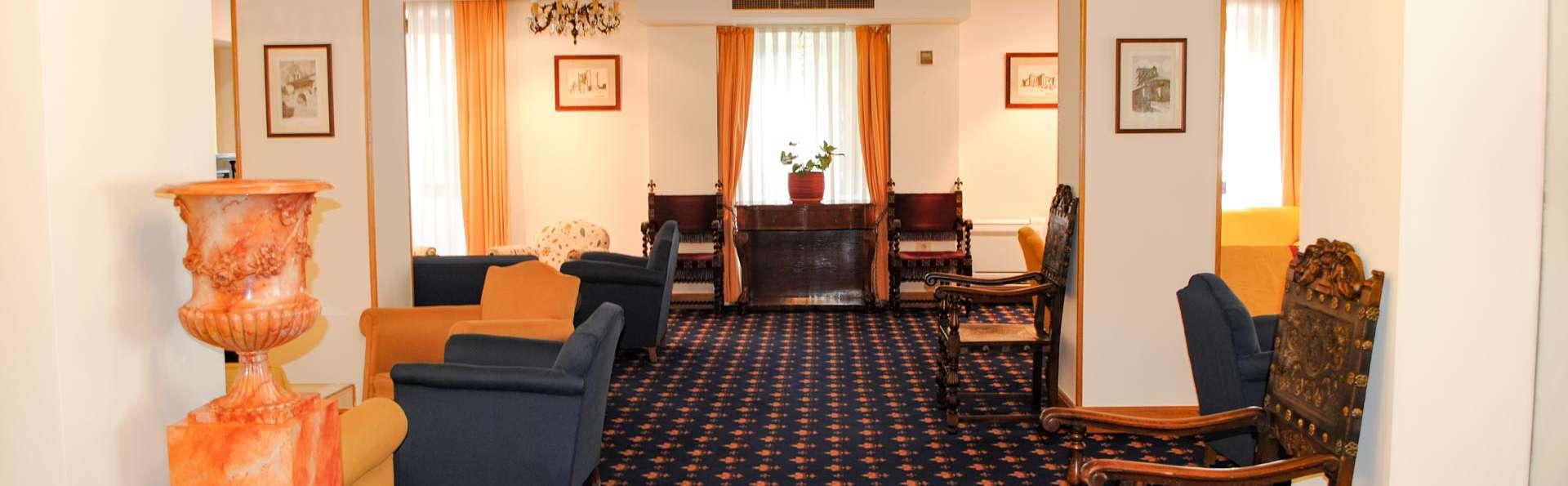 Hotel Zarauz  - EDIT_HALL_01.jpg
