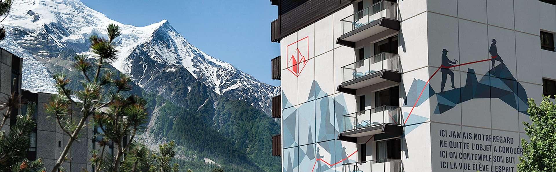 Admirez l'élégance du Mont-Blanc depuis votre chambre situé dans les hauteurs de Chamonix