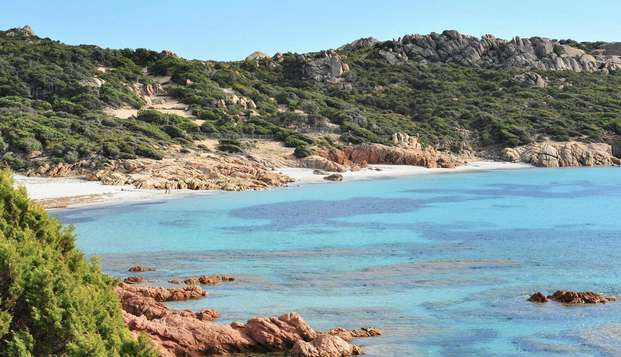 Faites votre propre enquête Corse à 2 minutes de la plage!