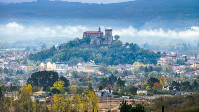 Recorre las calles históricas de Monforte de Lemos y descubre sus hermosos paisajes