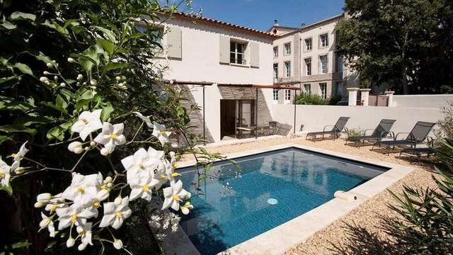 Un château du Languedoc du 19ème siècle avec piscine pour vous!