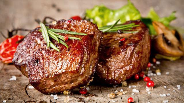 Escápate con cena incluida en Binéfar y disfruta de un cóctel en la terraza con vistas panorámicas