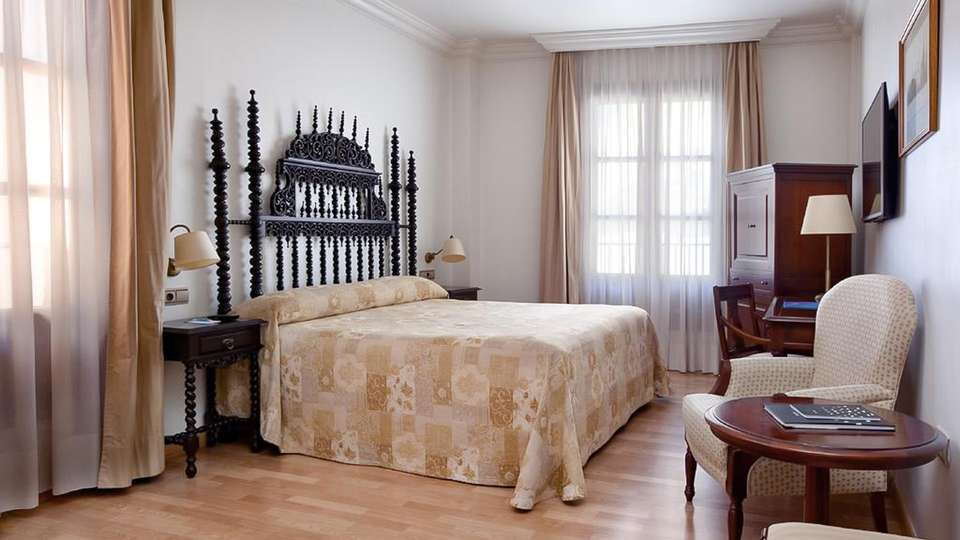 Hesperia Granada - EDIT_ROOM_01.jpg