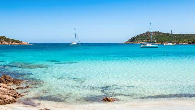 Vous êtes à l'affût de paysages époustouflants? Venez séjourner à deux minutes des plages Corses